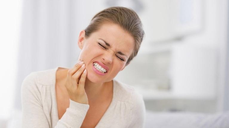 Woman With Toothache | Emergency Dentistry Edmonton AB